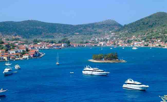 Comment aller de la France à la Grèce en bateau?