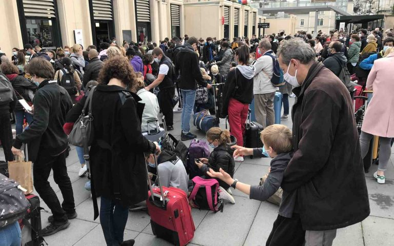 Comment étiqueter une valise TGV ?