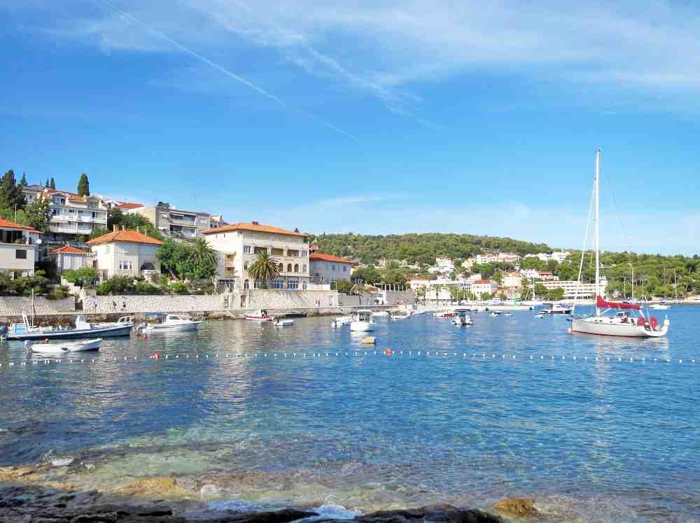 Comment se rendre sur l'île de Hvar?