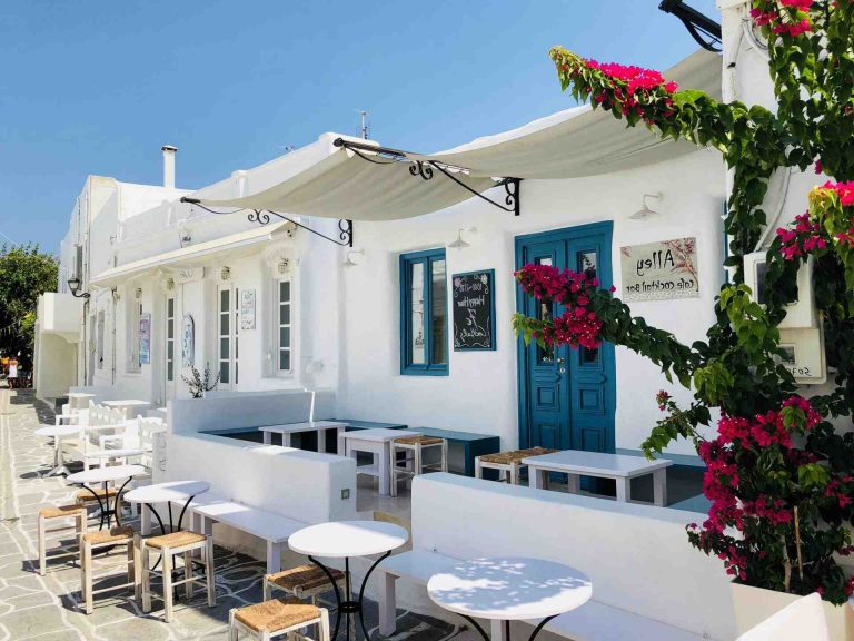 Où aller dans les Cyclades en août ?