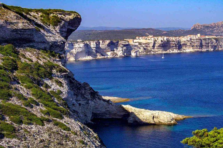 Où aller en Corse quand on est jeune ?