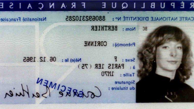 Où partir avec une carte d'identité périmée ?