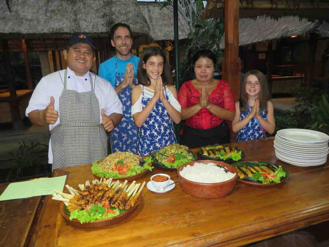 Où vas-tu avec ta famille en Thaïlande?