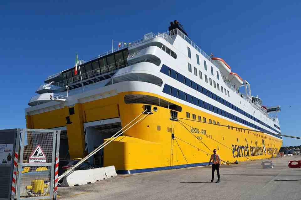 Quand réserver un ferry pour la Corse?