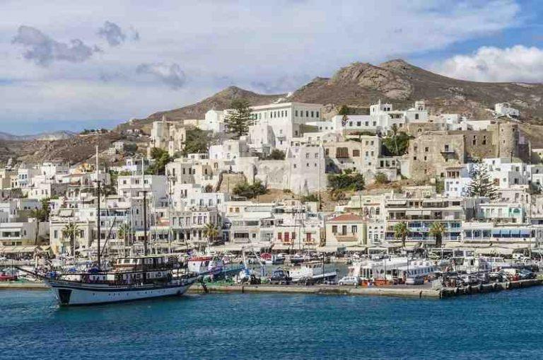 Quelle île grecque faire en août ?