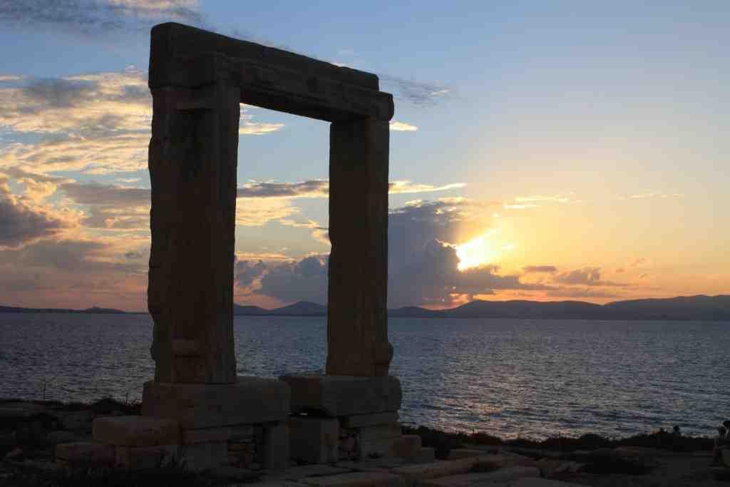 Quelle île visiter depuis Santorin?